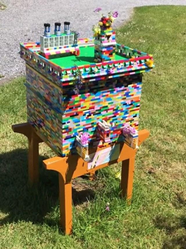 Pčelar je napravio košnice od LEGO kockica. Pčele su ih stvarno koristile!
