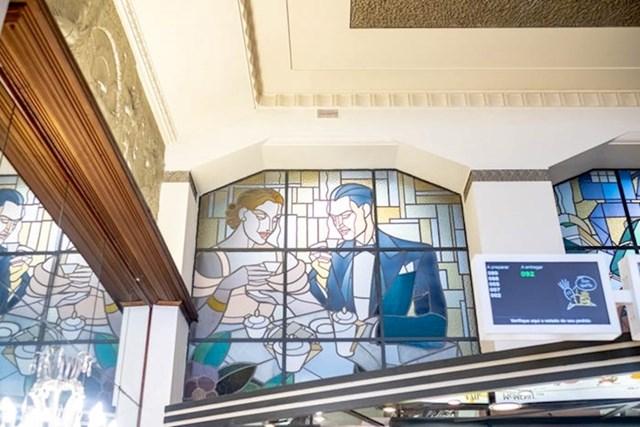 """""""Vitražne prozore je napravio portugalski umjetnik Ricardo Leone. Izvrsno je djelo tog razdoblja."""""""