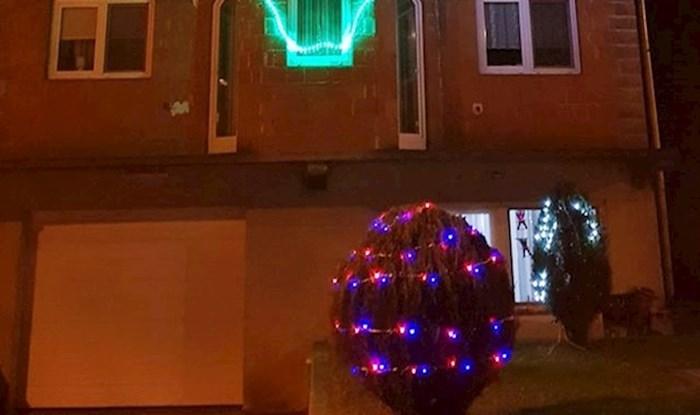 Susjedima je sigurno bilo neugodno kad su vidjeli kako je ovaj čovjek okitio svoju kuću za Božić