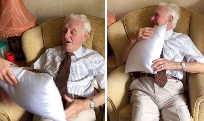 VIDEO Smijao se kad su rekli da su mu donijeli poklom. Kad je okrenuo jastuk, počeo je plakati