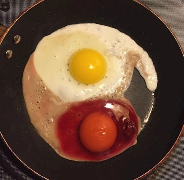 """""""Ovo jaje mi je odmah bilo sumnjivo. Ništa od doručka."""""""