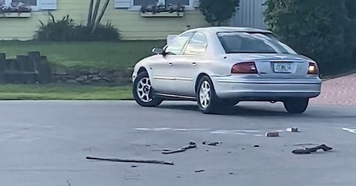 VIDEO Automobil se sat vremena vozio u krug, a onda su susjedi primijetili da ga zapravo vozi pas