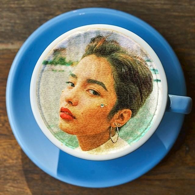 Ako želite nešto neobično, možete isprobati kavu s vlastitim selfijem.