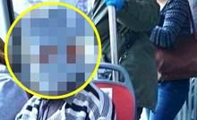Djed je nasmijao putnike u gradskom autobusu, pogledajte što je nosio kao zaštitnu masku