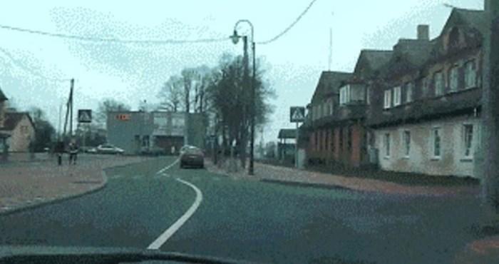 Vozač nije mogao vjerovati svojim očima kad je vidio na što je naišao u ovoj ulici