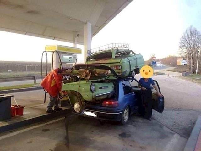 Evo što je radnik benzinske postaje slikao: