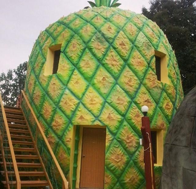 U Tajlandu možete noćiti u ananasu. Bar tako izgleda.