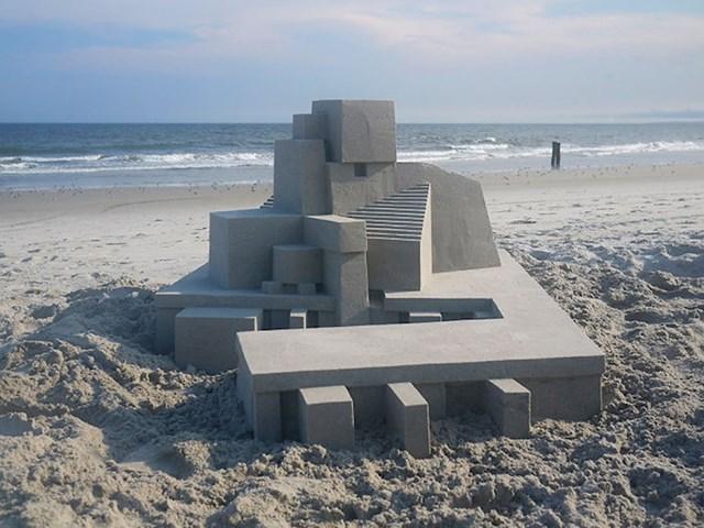 Ovo izgleda kao djelo arhitekta koji se odlučio malo igrati u pijesku.