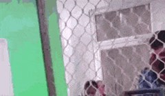 Blagajnik koristio peglu na šalteru? Pogledajte što je zapravo radio