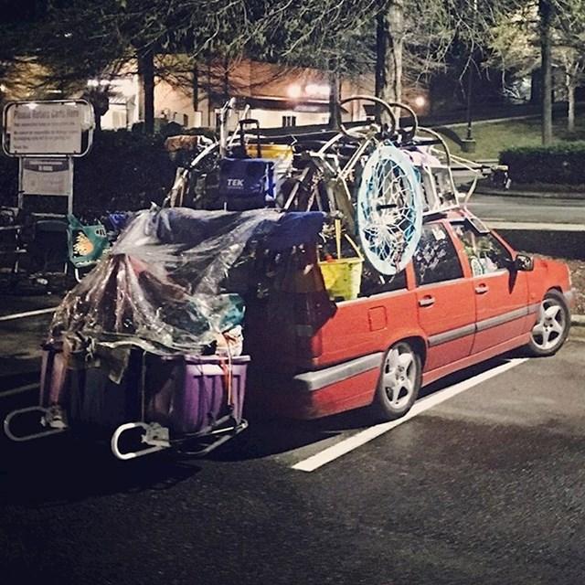 Tko kaže da za selidbe trebate kombi ili kamion?