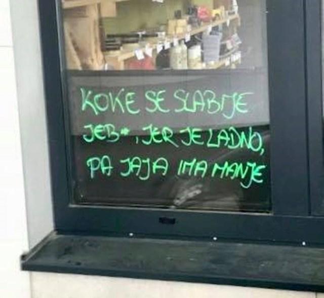 Evo što je pisalo na prozoru: