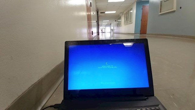 """""""Morao sam se pripremati za obranu diplomskog rada, no onda je Windows Update odlučio satima jesti g****."""""""