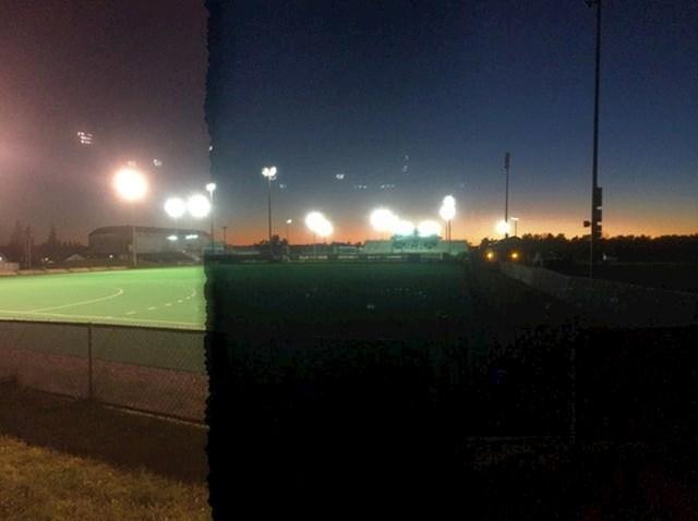 Radio je panoramsku fotografiju baš u trenutku kad su gasili svjetla na stadionu.