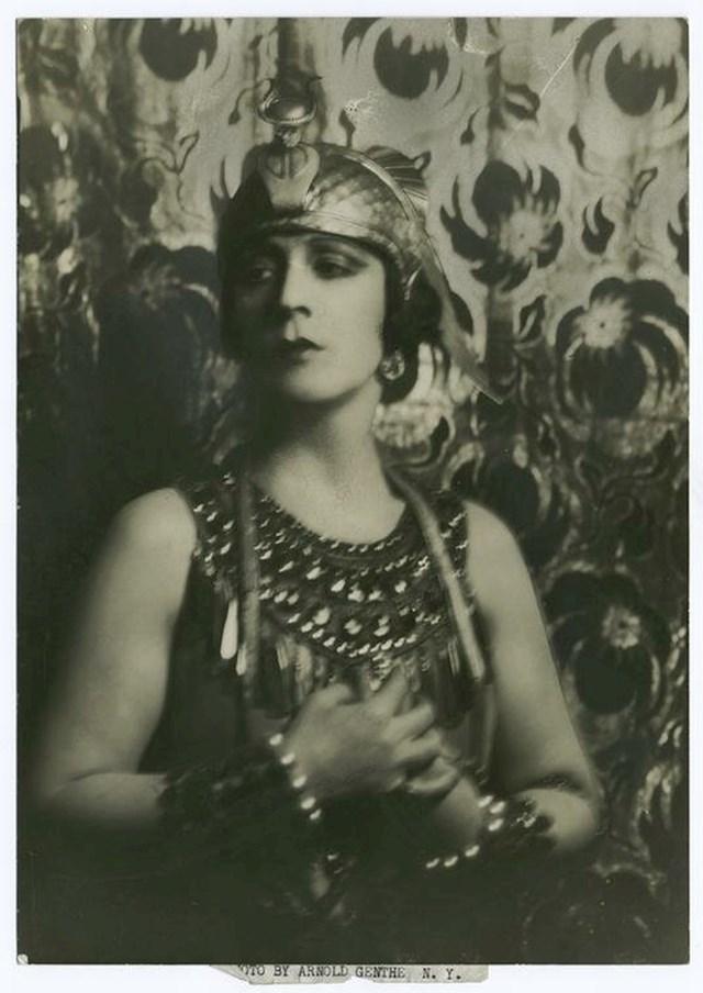 Jeanne d'Alcy — Kleopatrin grob (1899)