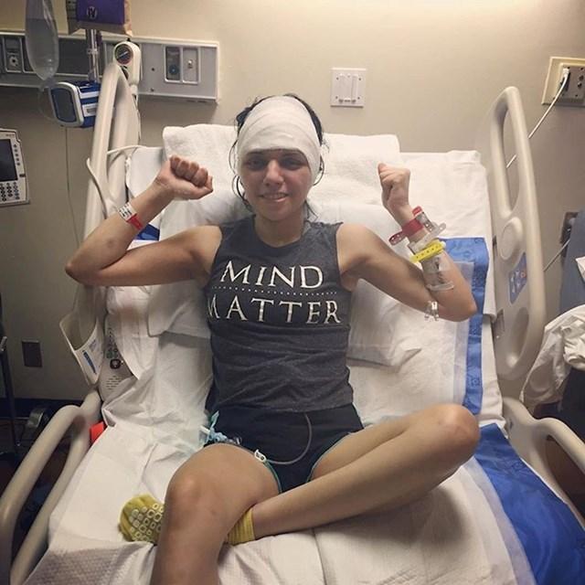 Claudia je preživjela 6 operacija na mozgu i sad studira medicinu kako bi postala doktorica i pomogla drugim ljudima.