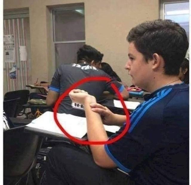 Ono kad dobiješ pretežak ispit pa počneš paničariti...