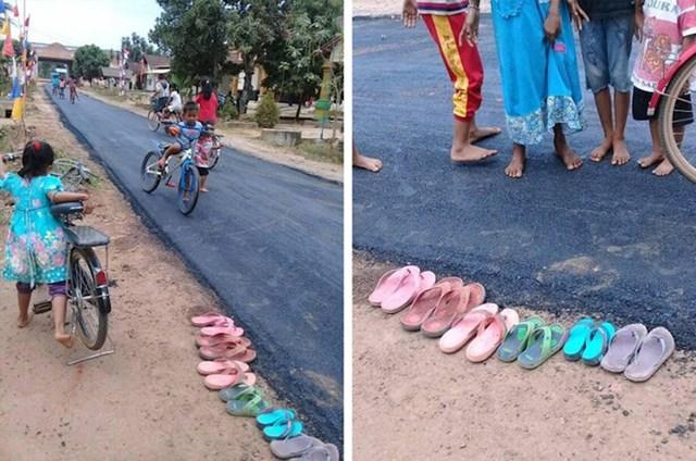 Djeca iz jednog indonezijskog grada skinula su papuče kako ne bi isprobali asfalt koji su vidjeli prvi put u životu.