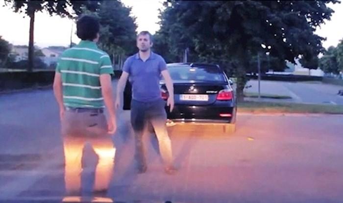 Vozači su se posvađali na cesti, jedan od njih je iz prtljažnika izvadio nešto što ih je smirilo
