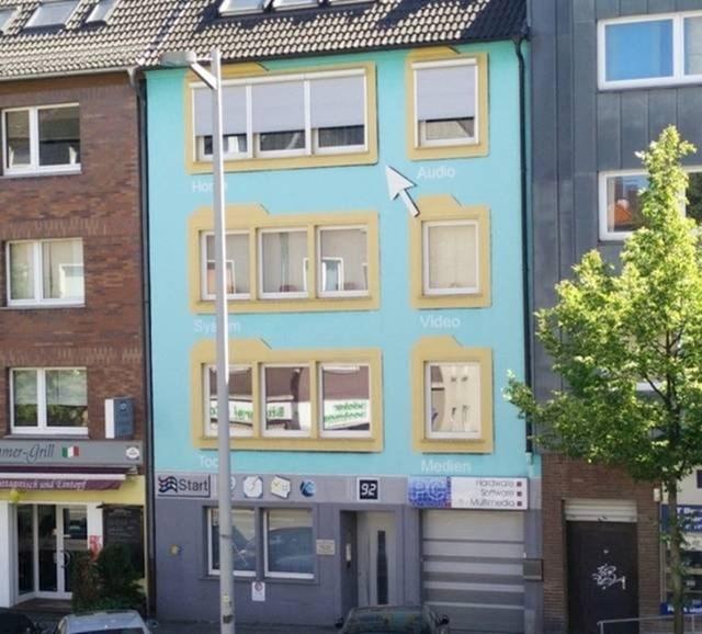 Netko je na svojoj kući postavio fasadu koja izgleda kao stari Windowsi.