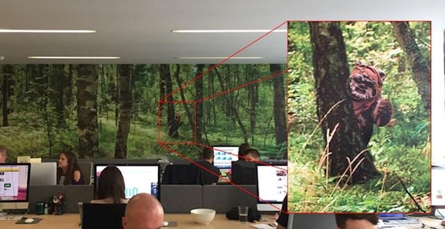 """""""U uredu imamo oslikan zid, pitam se koliko će vremena trebati šefu da primjeti detalj koji sam naknadno dodao..."""""""