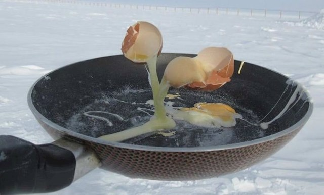 Ova osoba je pokušala napraviti omlet na Antarktici...