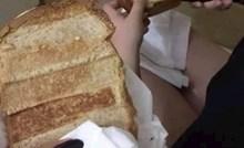 Težak je studentski život: Djevojke su slikale kako tostiraju sendviče, fotka je nasmijala društvene mreže