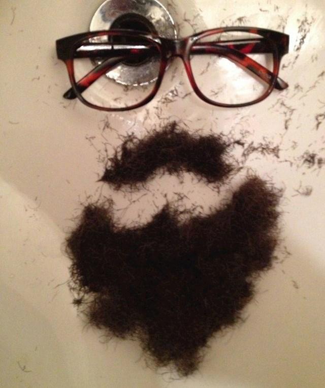 """""""Ovako mi je dečko danas dao do znanja da se konačno obrijao."""""""