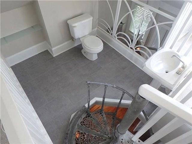 Ovaj WC je baš prozračan...