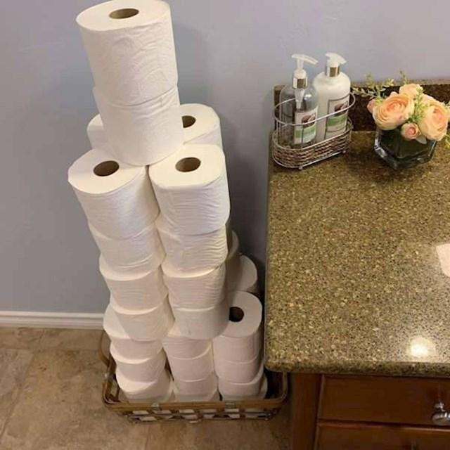 """""""Moj muž voli kad u kući imamo dovoljno WC papira."""""""