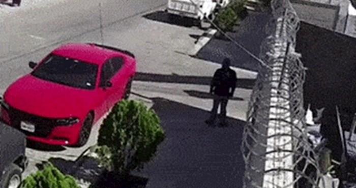 Tko je veći sretnik, vlasnik ovog auta ili čovjek koji se našao u njegovoj blizini?