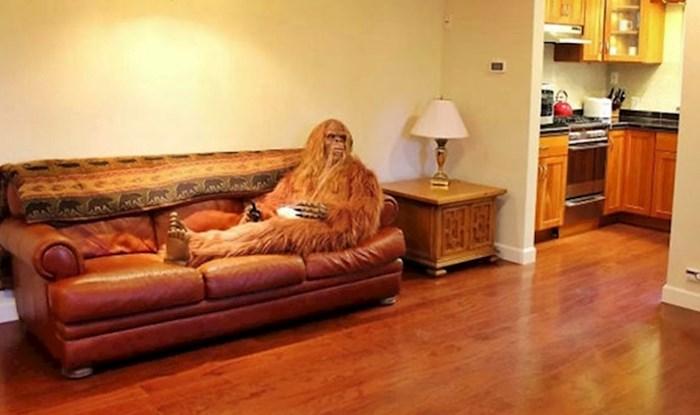 Netko je na slikama oglasa za prodaju kuće glumio Bigfoota, rezultat izgleda urnebesno