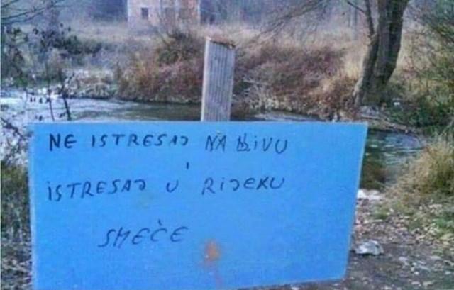 """Pogledajte """"upute"""" koje je netko ostavio u blizini rijeke:"""