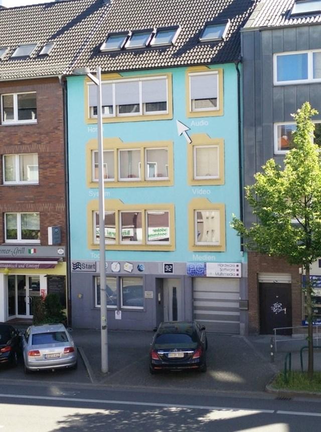 Fasada kuće im izgleda kao Windowsov desktop.