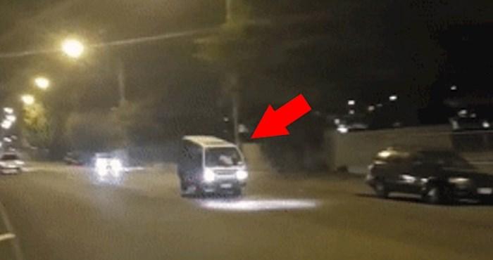Vozač kombija prenaglo je zakočio, pogledajte što mu se zbog toga dogodilo