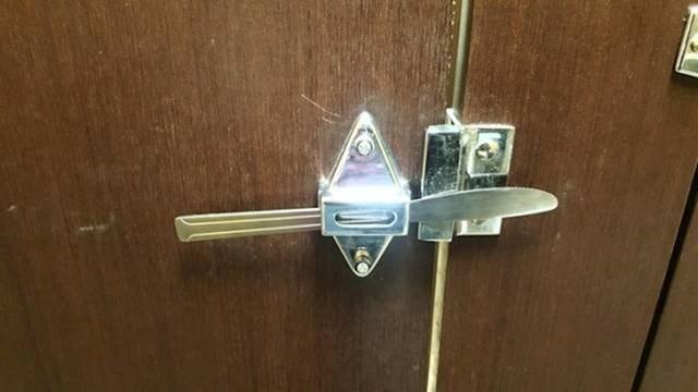 Kako zaključati sobu ili ormar pomoću noža