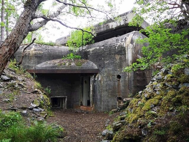 Ovaj stari bunker u Norveškoj izgleda kao da je već jako dugo nekorišten.