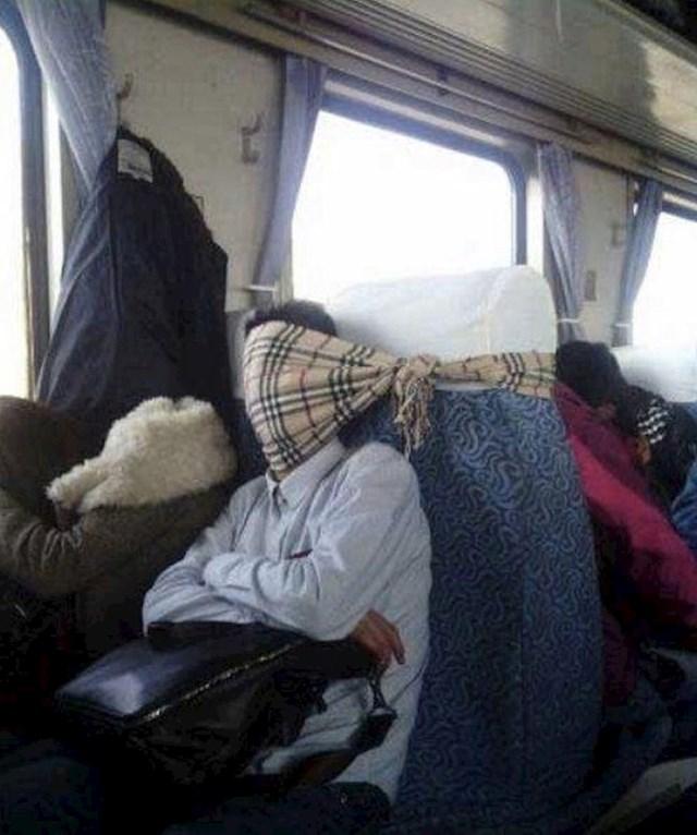 Kako (ne) spavati u vlaku
