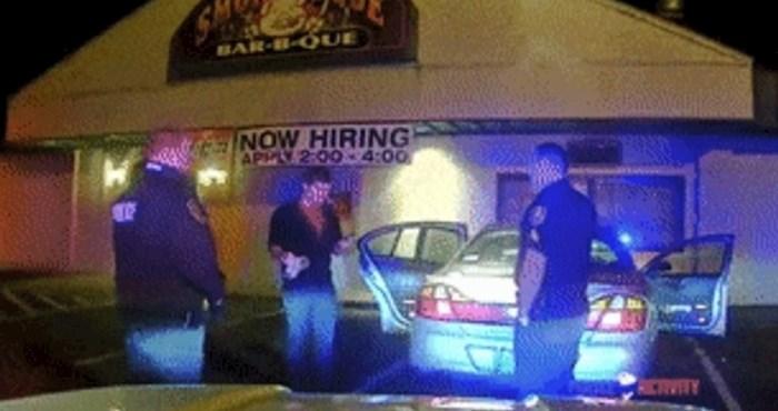 Policija ga zaustavila, on im na genijalan način dokazao da nije pijan