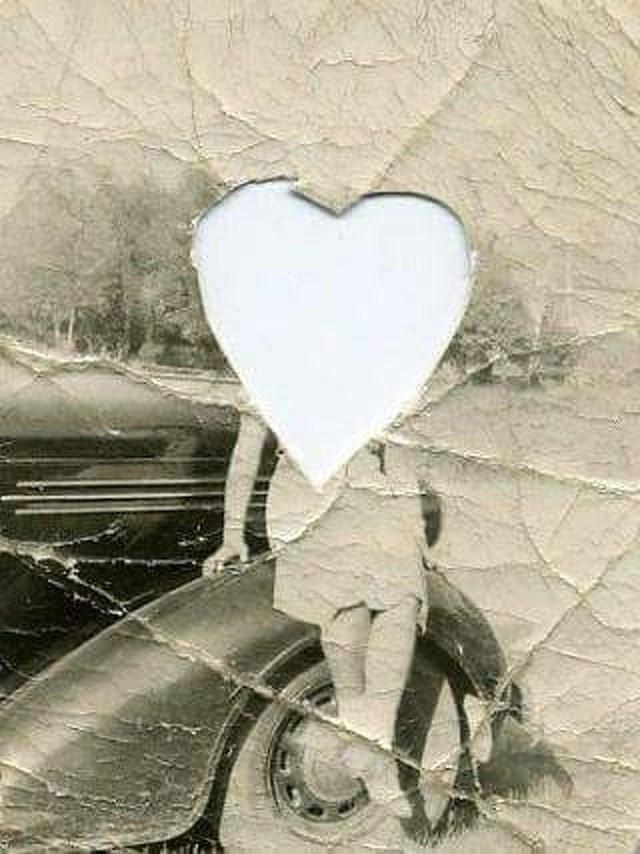 Ona je u nečijem privjesku. Fotografija je iz 1940-ih.