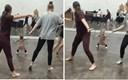 Djevojčica odlučno predvodila trening plesa, sudionici ju pratili u stopu