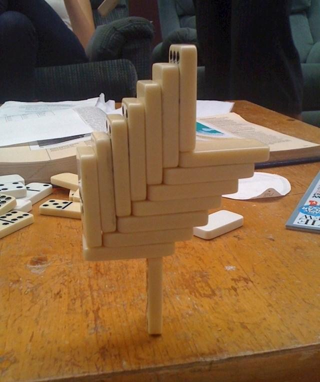 Koliko će vam trebati prije nego što izvadite svoj domino i isprobate ovo?