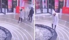 Djevojka je gledala u mobitel i upala u fontanu šoping centra