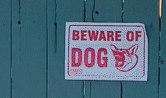 """Pogledajte tko se krije iza znaka """"Oprez, oštar pas!"""""""