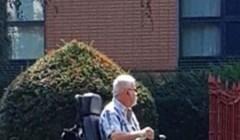 Ovaj starac odlučio je imati najbolja kolica u susjedstvu, pogledajte što vozi