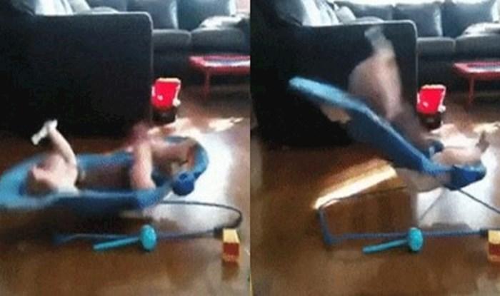Dječak je pronašao način da sam sebe zabavi na ljuljačci
