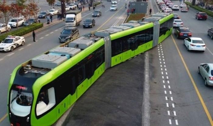 Novi futuristički vlakovi u Kini voze po tračnicama nacrtanim na asfaltu