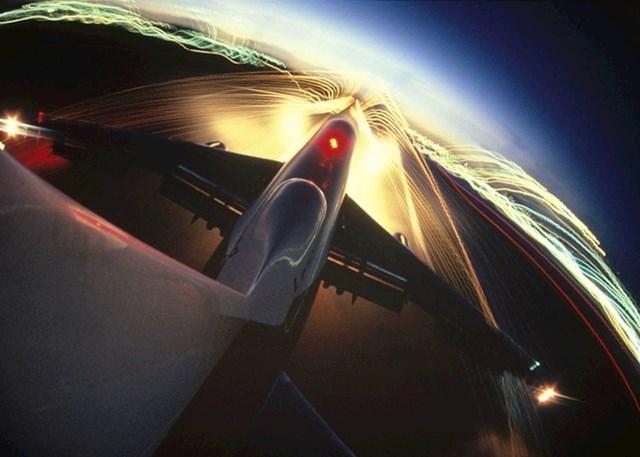 Pogled s repa aviona.