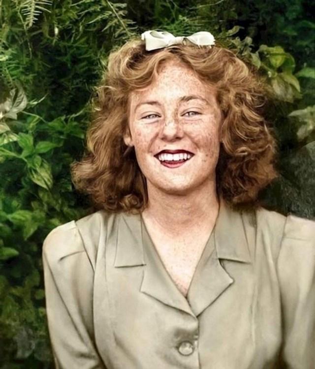"""1. """"Restaurirali smo staru fotku moje bake iz 1940-ih. Ugodno sam se iznenadila kad sam vidjela da je imala pjegice!"""""""