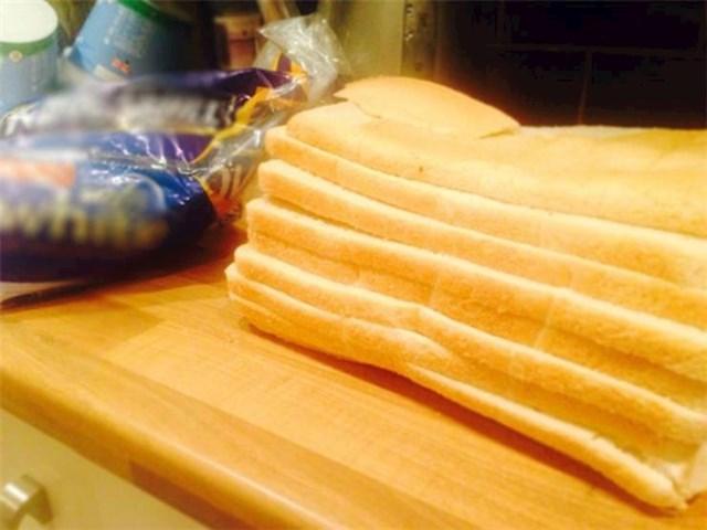 9. Zanimljivo narezan kruh za toast.