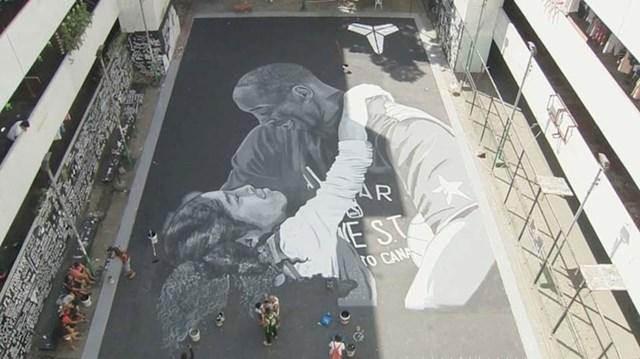 4. Obožavatelji s Filipina preko noći su napravili ovaj mural poginule košarkaške zvijezde Kobea Bryanta i njegove kćeri Gigi.